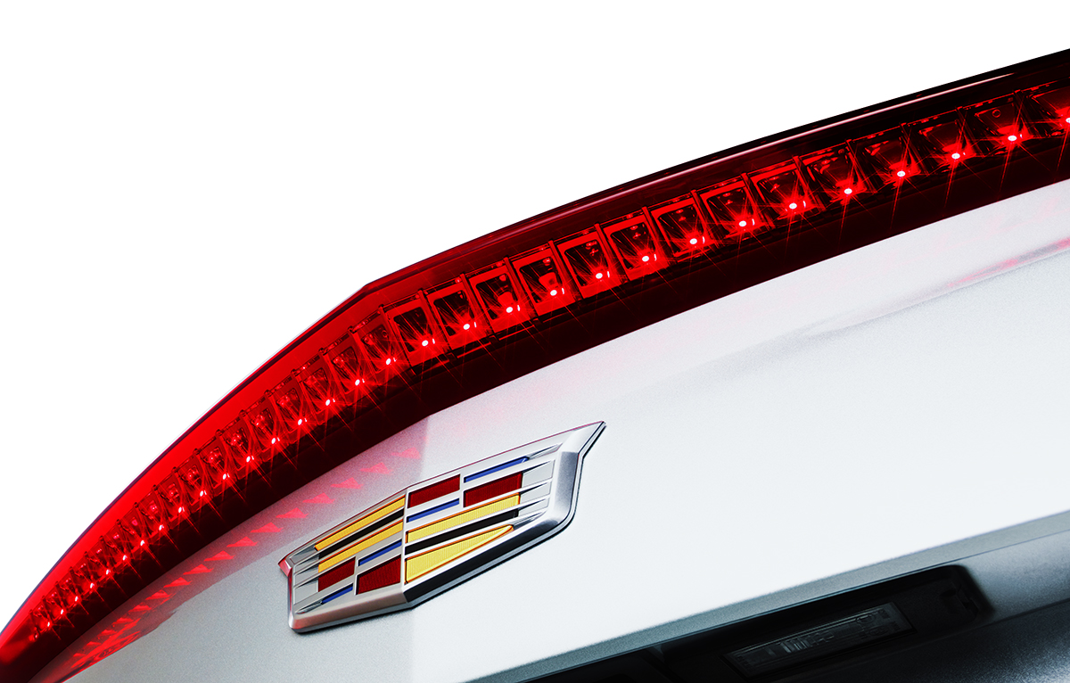 Cadillac_Tail_Light_R7_1200px