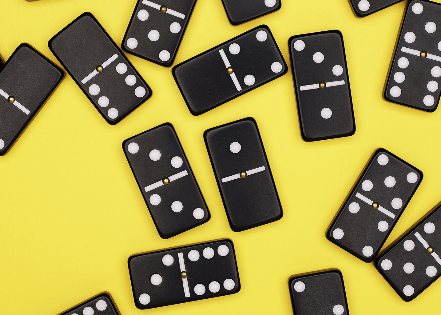 Domino_15063_Black_On_Yellow_R2_1430px