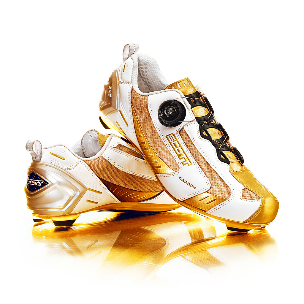 ScottUSA_goldshoes_fullCropped_1298px