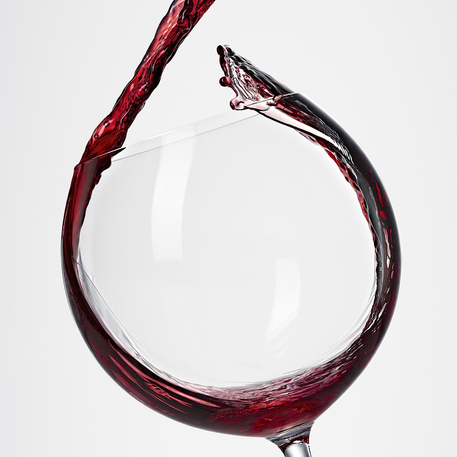 Wine_Pours_R8_Glass01_1570px